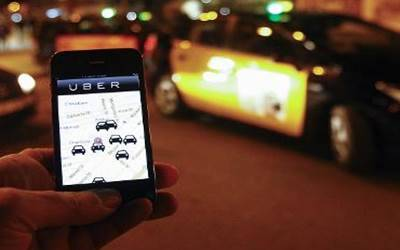 Australia orders Uber drivers to pay service tax