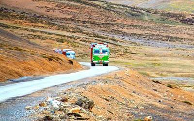 Work on to reopen Manali-Leh highway