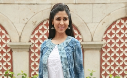 Why would I leave TV after giving 16 years to it: Sakshi Tanwar (IANS Interview) By Nivedita