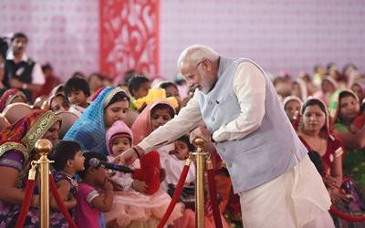 On International Women's Day, Modi seeks mass movement to remove gender imbalance