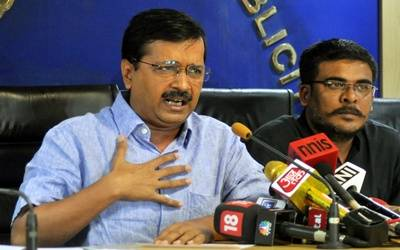Kejriwal asked to join probe into assault, AAP fumes