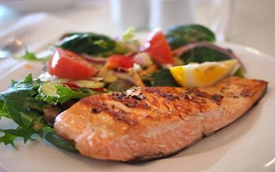 Eat fish twice a week for healthy heart