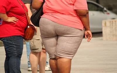 Obesity may double risk of colorectal cancer in young women