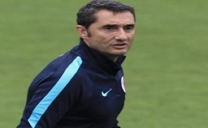 Barcelona coach trains squad for Sociedad clash