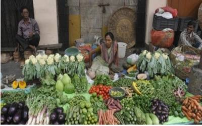 Lower food prices ease India's WPI to 4.53% in August