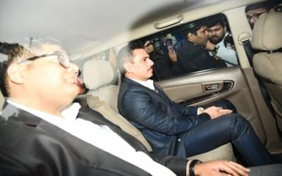 Robert Vadra reaches Jaipur for ED questioning in land scam case