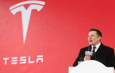 Musk now most tenured CEO in global auto industry