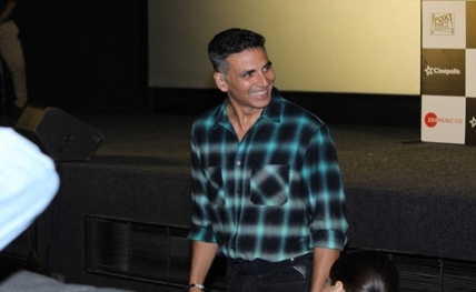 Akshay Kumar trolled on Twitter; 'Hawas ka Devta Akshay' trends