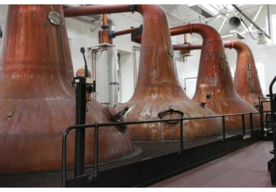 Allow phased opening of distilleries, permit online sale of liquor: CIABC