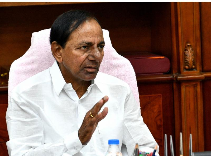 KCR directs ministers, officials to stay alert amid heavy rains