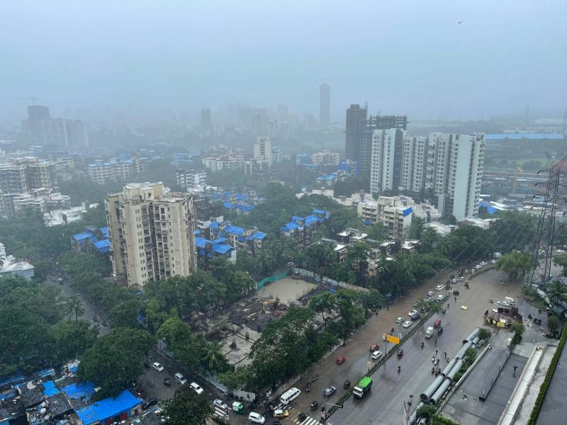 4 killed as rains pound Maha, thousands marooned in coastal areas (Roundup)
