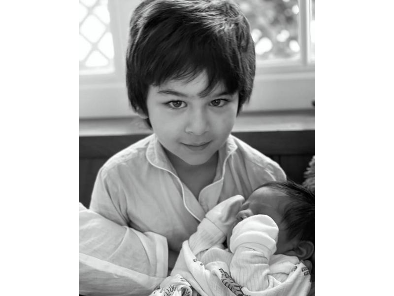 Kareena shares Taimur's picture with baby brother on Mother's Day
