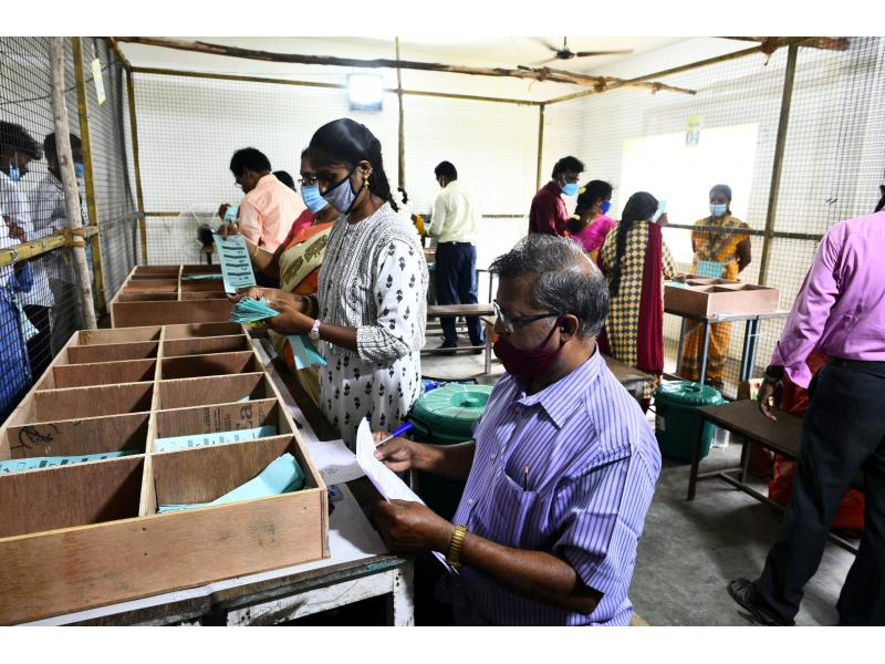 AIADMK in spot after heavy drubbing in rural local body polls